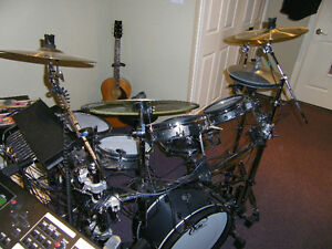 ((( new )))ELECTRONIC  DRUM  FOR SALE  OR TRADE
