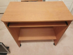 Used Computer Desk w/ Retractable Keyboard Tray and wheels
