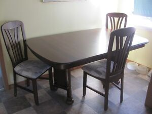 Dining Rm Table & 6 chairs