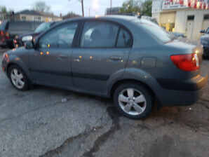 2006 Kia Rio Sedan / ONLY TODAY SUNDAY MAY 26, 2019