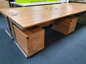 second hand oak desks with pedestals, huge Glasgow Showroom