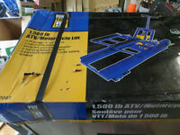 New in box motorcycle lift $125.00
