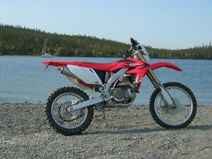almost brand new - 2006 Honda CRF450X