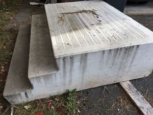Precast concrete steps with landing