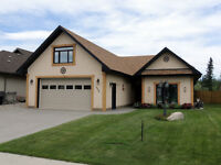 One Level Living ,Beautiful Hime in Hinton!