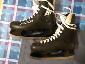 Men's used hockey skates, excellent condition, size 7.5