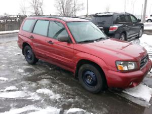 Subaru Forester 2005 xs AWD 2.5 tout équipé 4500$ NEGO bas km