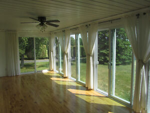 VIEW THE ST LAWRENCE FROM YOUR FABULOUS SUNROOM! Cornwall Ontario image 5