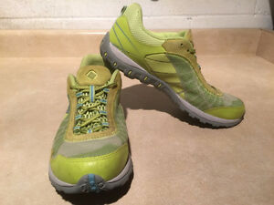 Women's Columbia Techlite Running Shoes Size 9.5 London Ontario image 6