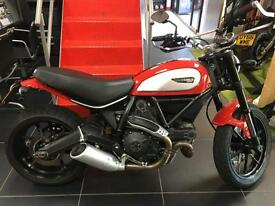 Ducati Scrambler ICON RED. ONLY 870 MILES FROM NEW WITH LOTS OF EXTRAS