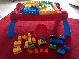 Mega bloks table - first builders build & learn inc blocks