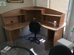 Corner desk & chair