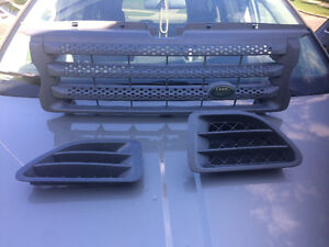 Range Rover Grill and Side Vents.