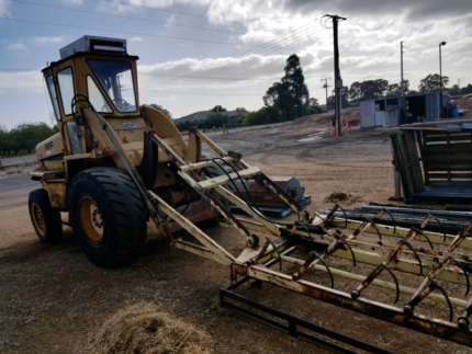 MF 11 loader Angle Vale Playford Area Preview