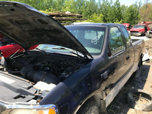 1999 Ford F150 ** FOR PARTS ** INSIDE & OUTSIDE **