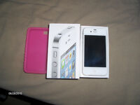 IPhone 4s -16GB White new  in box with Rogers/Chat-R