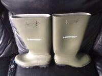 Brand new Dunlop wellies