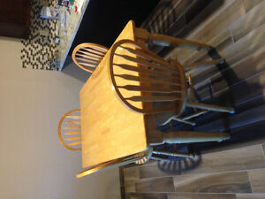 Dining room table with 4 matching chairs