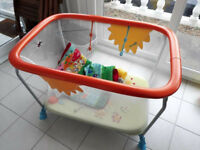 Brevi sturdy baby pen collapsable with soft mattress