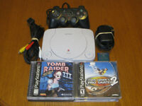 PLAYSTATION 1 (CONTROL, POWER & RF CORDS, MEMORY CARD, 7 GAMES)