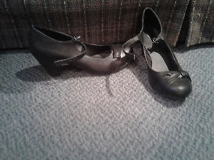 Women's size 10 dress shoes