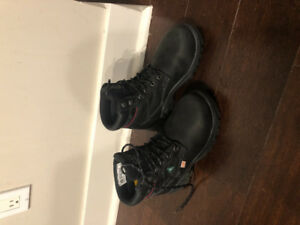 "Used CAT dryverse 6"" work boot"