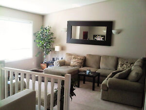 ** Sylvan Lake - Room for Rent – Newer Home **