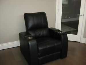 Reclining Chair  Black Leather, Electric (Palliser)