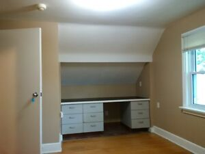 Student rooms for rent  - Steps to school Kitchener / Waterloo Kitchener Area image 6