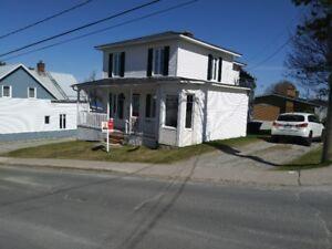 Belle maison centenaire à vendre