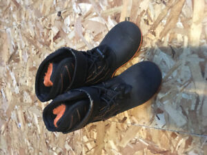 Kids size 9 show boots