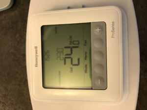 Honeywell T6 thermostat - NEW