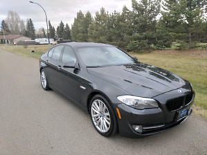 2011 BMW 5-series 550i ~Extremely Clean and well maintained