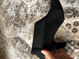 Softmoc high heels never worn