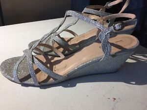 Sparkly lady's wedding shoes