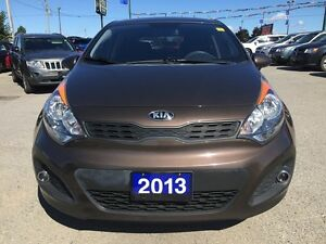 2013 KIA RIO LX * BLUETOOTH * LOW KM * LIKE NEW London Ontario image 9