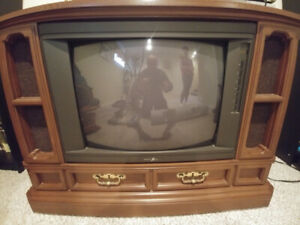 Zenith wooden frame TV - free