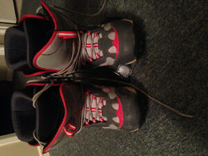 Selling men's Hember snowboard boots size 9.5