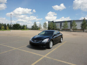 2012 Nissan Altima 2.5SL One Owner Low KMS