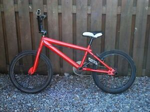 Red BMX bike (Negociable price) Rogue BMX
