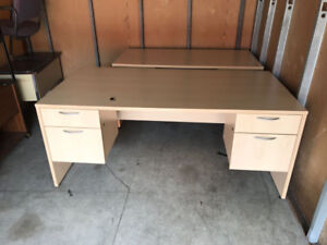 Desk with Double Pedestal Box/Lockable Drawer!
