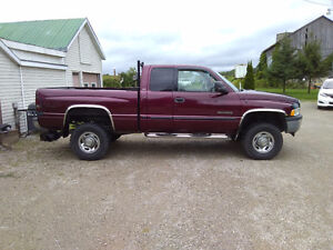 2001 Dodge Power Ram 2500 Slt Pickup Truck