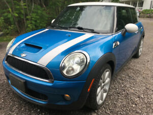 2007 MINI Mini Cooper S Hatchback with Extra Parts