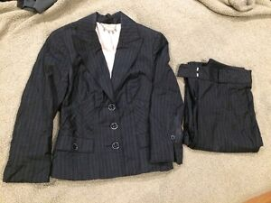 Business Suits to suit any style!! Size 6