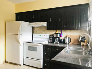 $2200 / 2br - 1000ft2 - 2200 all inclusive fully furnishe (Toron