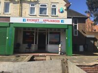 Shop to let in Ryecroft Walsall ideal for tanning salon, florist, pet shop etc sorry now let