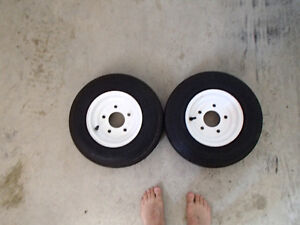 5 bolt trailer rims with new tires