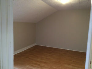 One-bedroom Apartment with Rent Incentive Moose Jaw Regina Area image 3