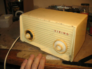 Viking Vacuum Tube desktop Radio, 1950's - 100% working!!