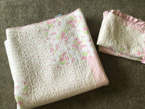 Double/queen pink quilt set with shams